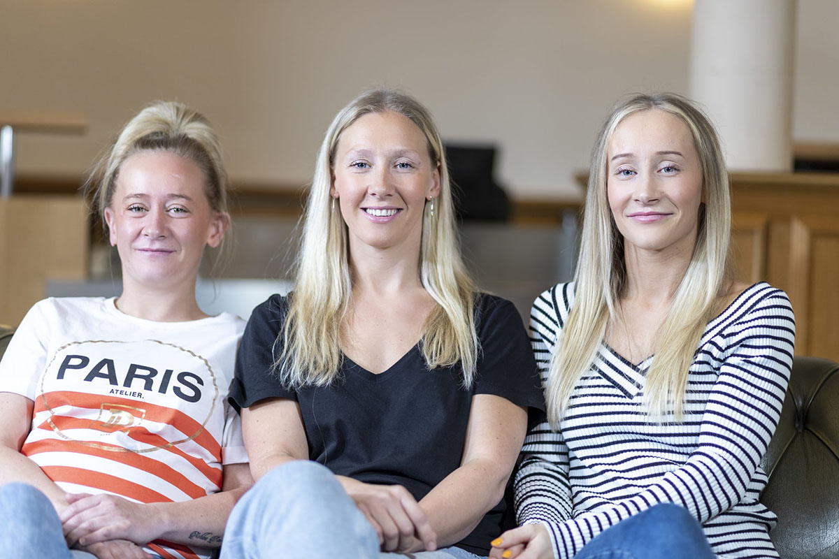 3 sisters have laser eye surgery at Optimax Glasgow