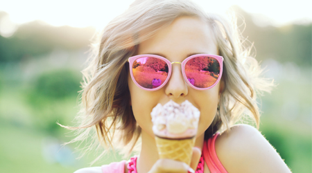 Wear sunglasses for healthy eyes in summer